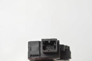 Salono pečiaus sklendės varikliukas