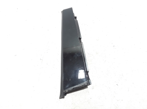 Rear side door strip to glass outer