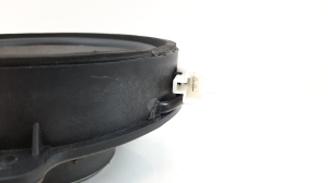 Rear side door speaker