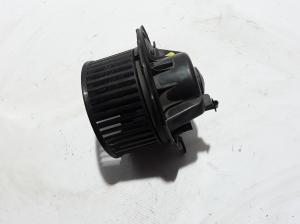 Cabin shoulder motor