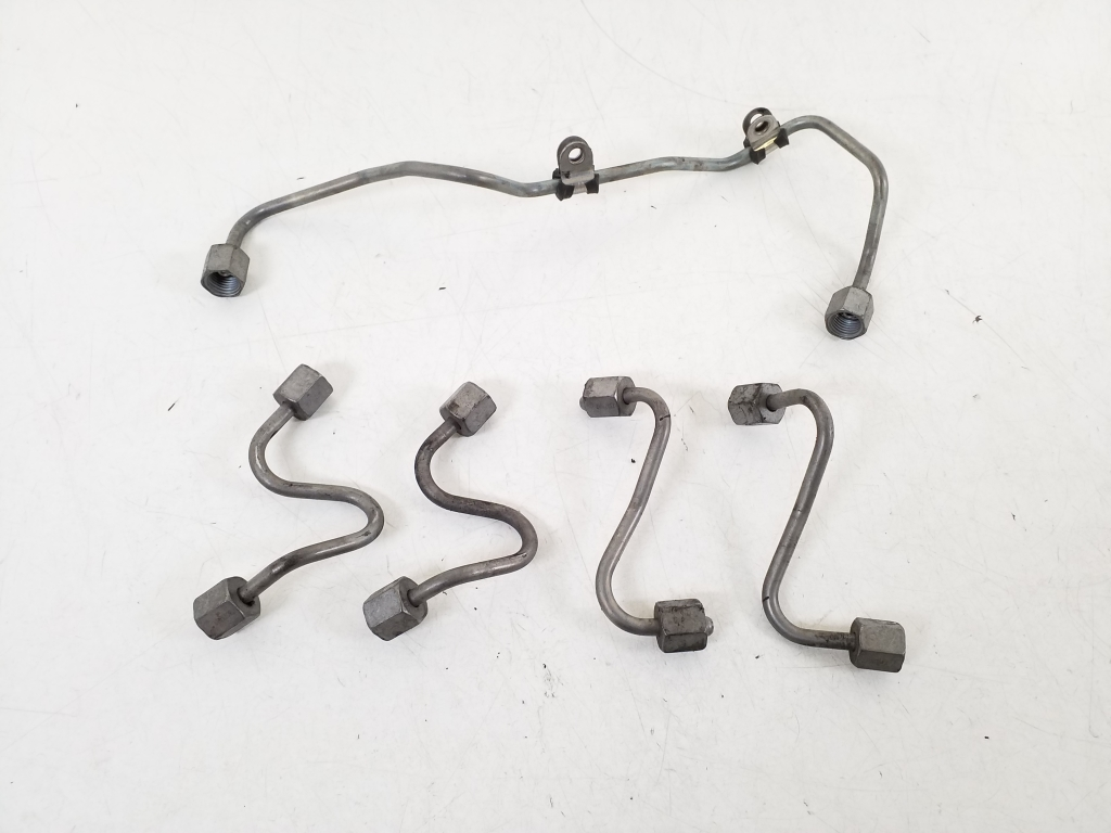 Fuel injector tubes