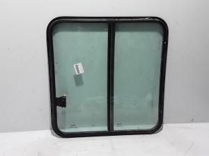 Stiklas galinių šoninių durų