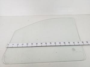Priekinių durų stiklas