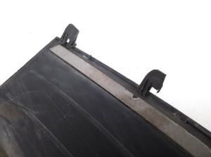 Rear wing tray