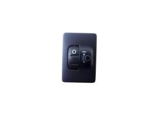 Switch light level regulator